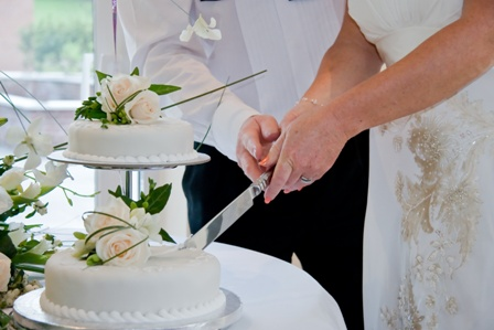 News how to get the perfect cake cutting photo how to get the perfect cake cutting photo junglespirit Image collections